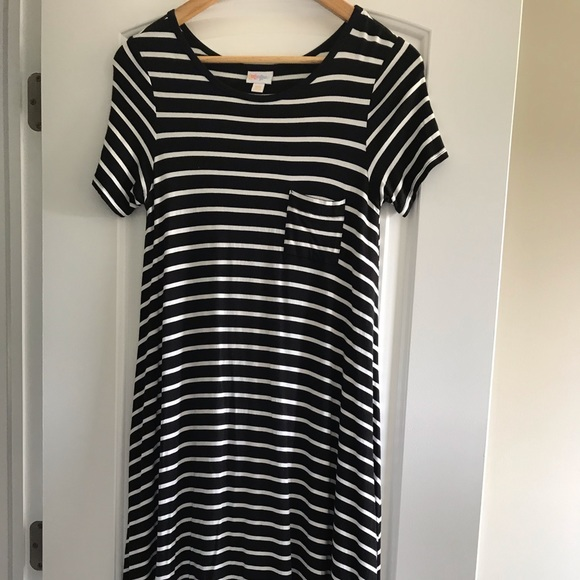 LuLaRoe Dresses & Skirts - Like new LuLaRoe black/white dress. Size xxs.